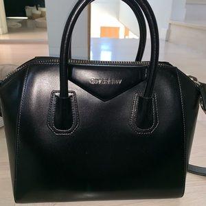 Givenchy Antigona Medium Bag
